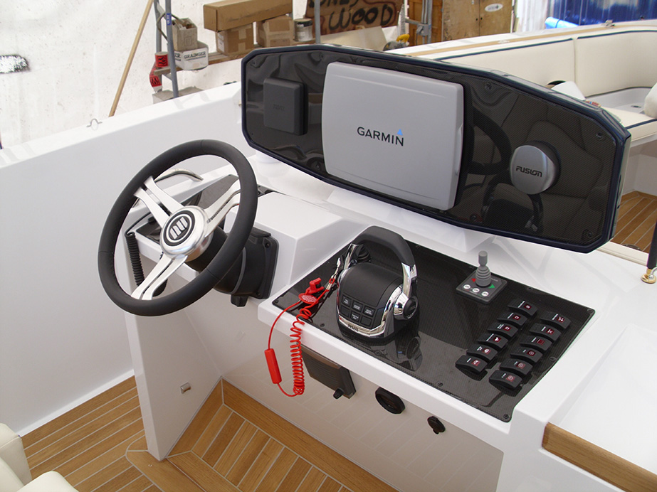 CHASE_CONSOLE_Standard_console-with-POD