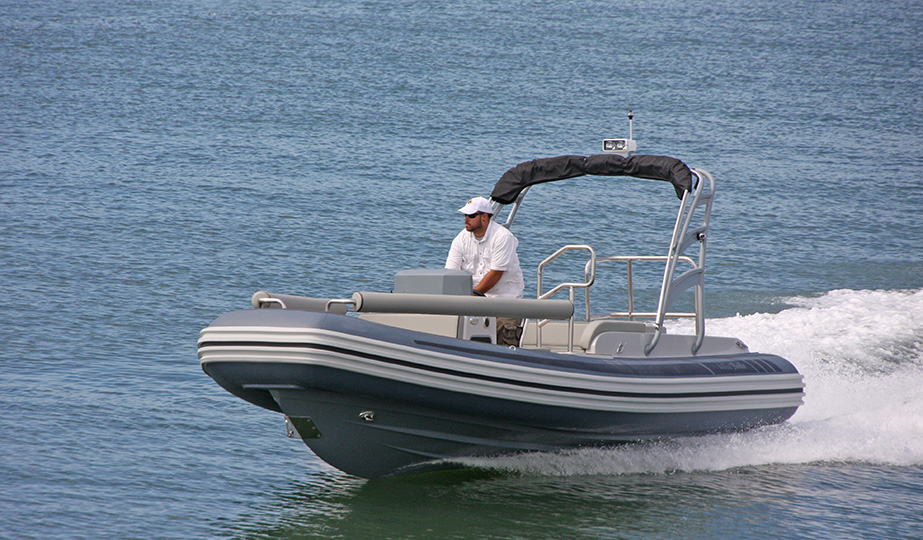 LX650 SERIES  - as shown Yanmar 260 with ZT drive - Custom arch with bimini (16)