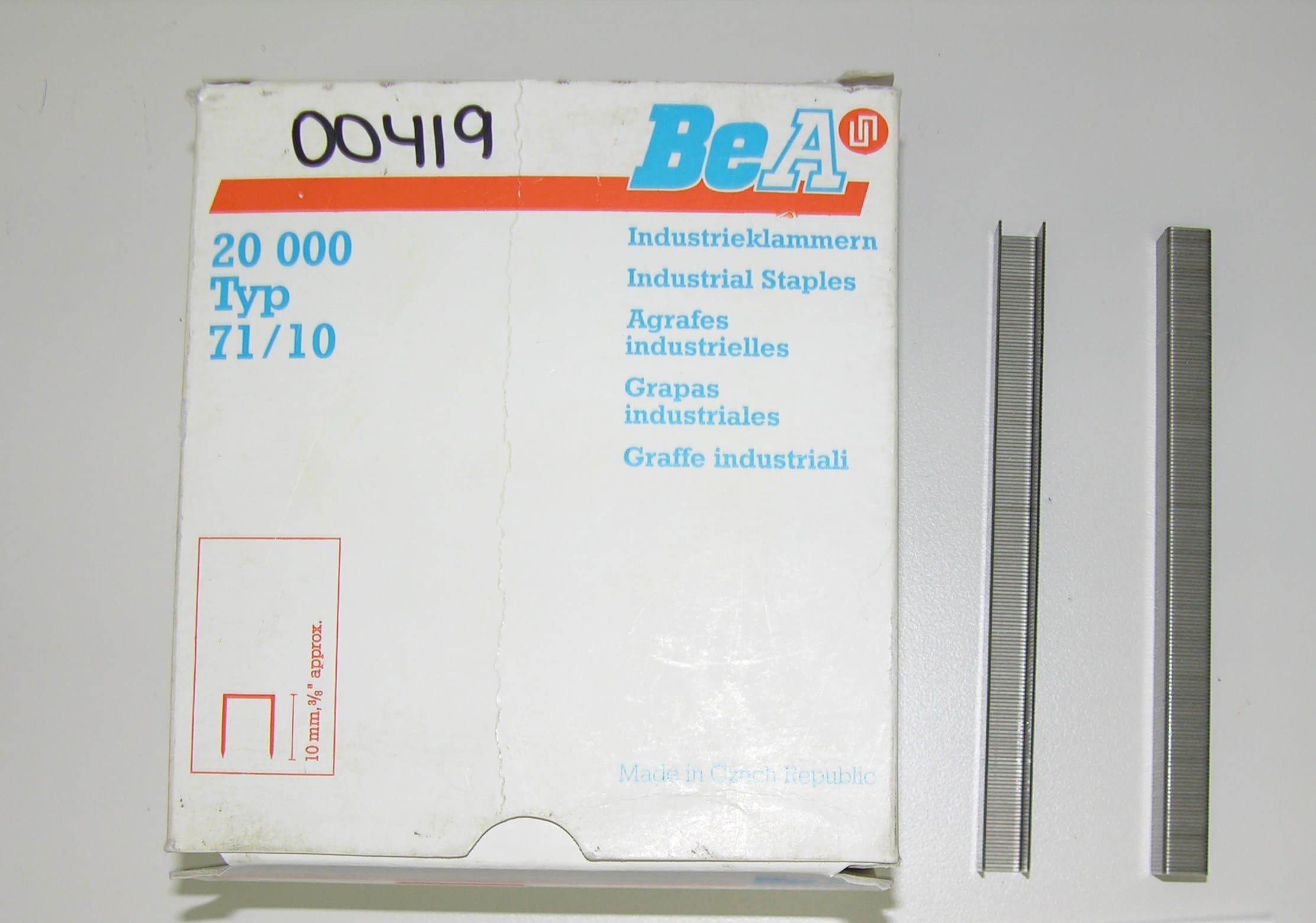 Staples 3/8 X 1/2 5000/Box Stainless Steel