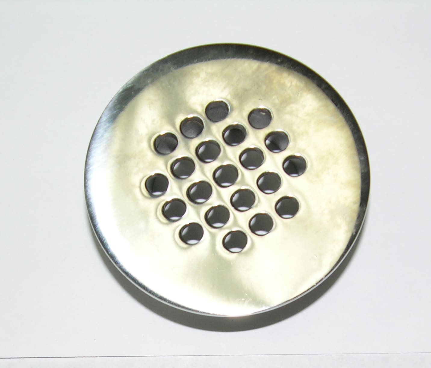 "Drain- Grate 2 3/4"" Dia 1 3/4"" Male Thread"